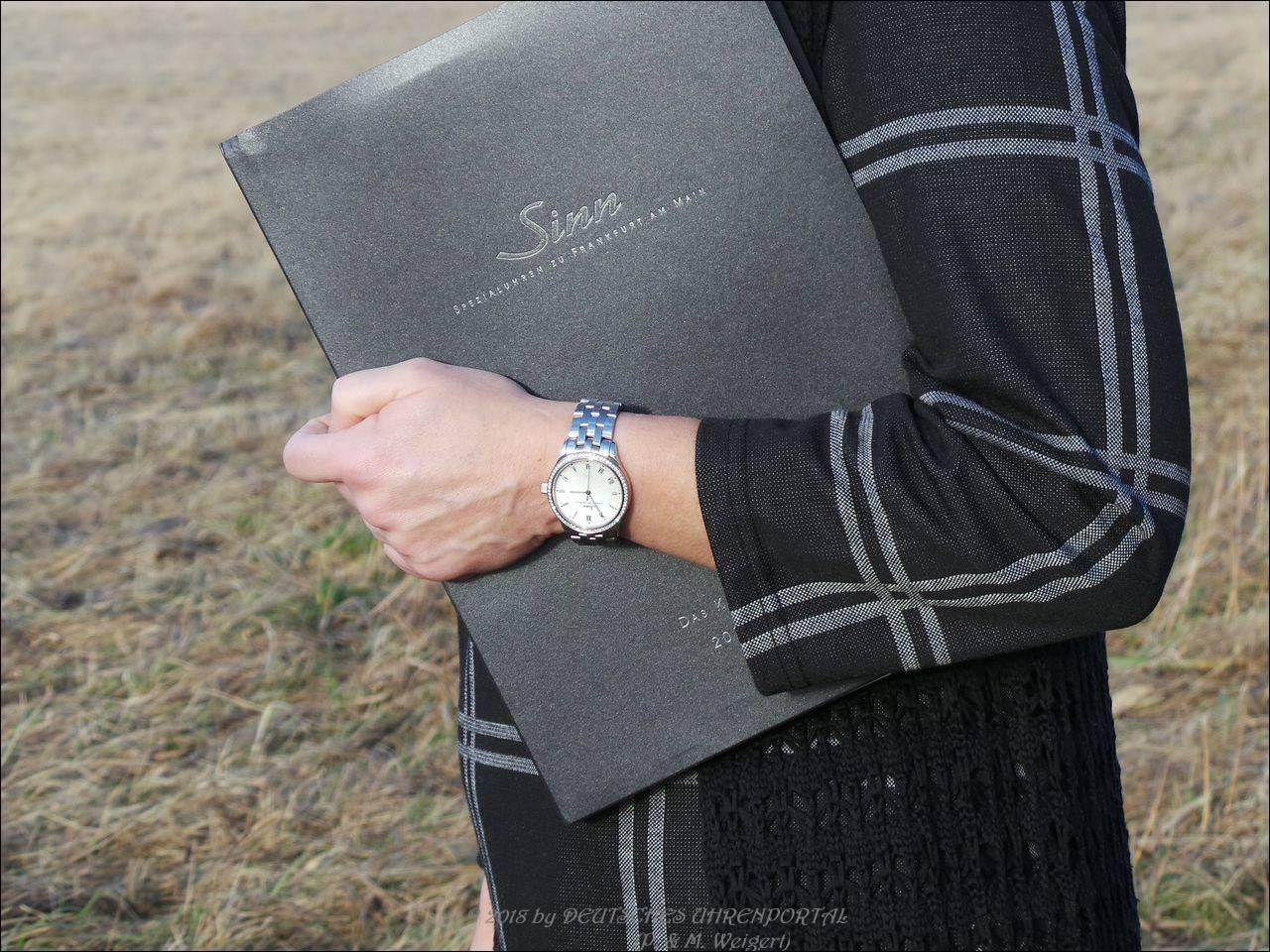 SINN Spezialuhren kann auch schicke Damenuhren: Von uns getestet das Modell 434 TW68 WG Perlmutt W von SINN Spezialuhren.