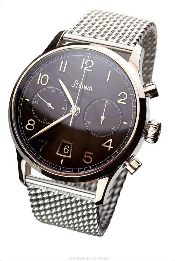 Chronograph, schwarz, poliert mit Datum