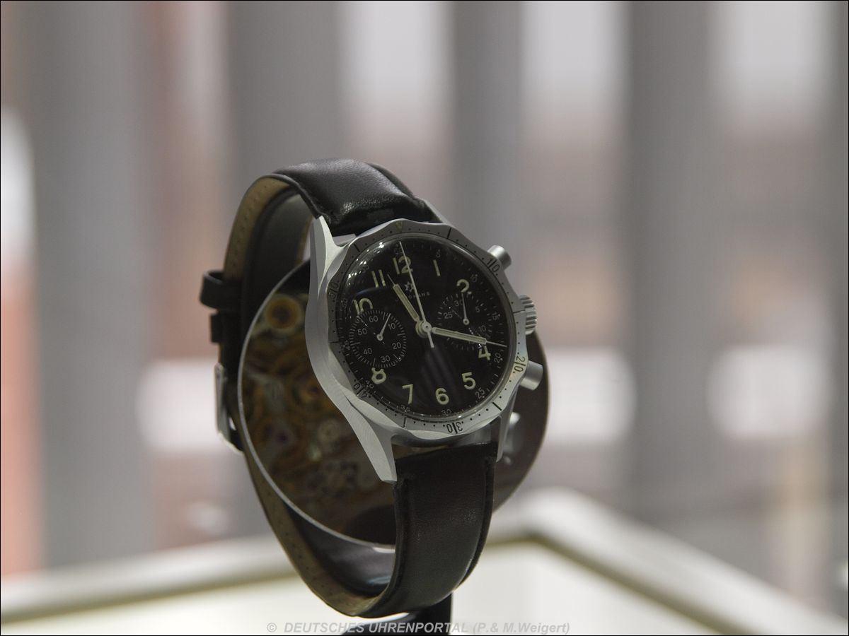 Junghans > Flieger-Chronograph mit zwölfeckiger Lünette (Typ BW-111)