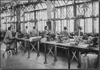 Rohwerkefabrikation im Jahre 1926